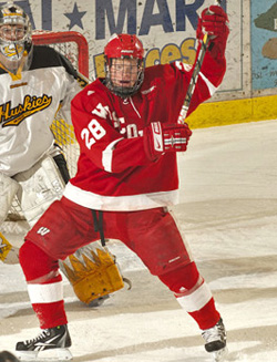 Jordy Murray is among the nation\'s leaders with nine power-play goals. (photo: Wisconsin Athletics)