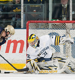 Michigan\'s Shawn Hunwick is making a late-season push for Hobey consideration.