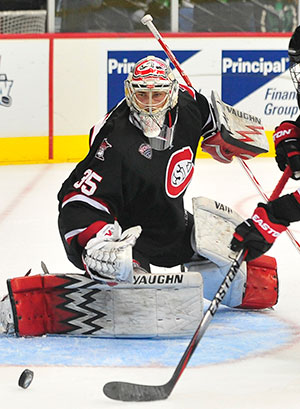 Lindgren's Growth in Net Bolsters St  Cloud State : College Hockey News