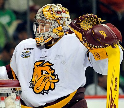 UMD goaltender Kenny Reiter recovered from a rough series against Minnesota last week.