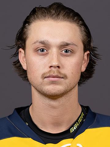 Logan Drevitch headshot