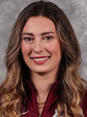 Lauren Bench headshot