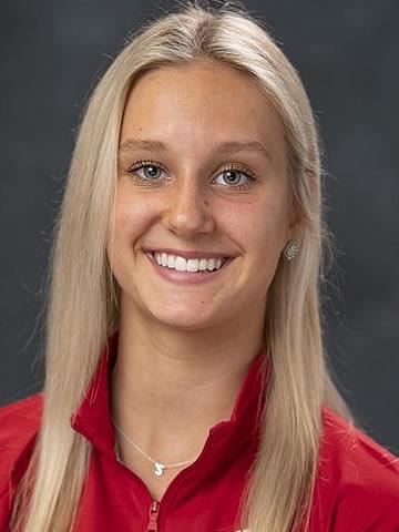 Sophie Helgeson headshot